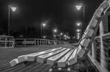 Fototapeta Londyn - ławka na molo