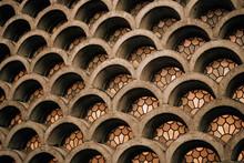 Arquitetura Curva Com Vitrais
