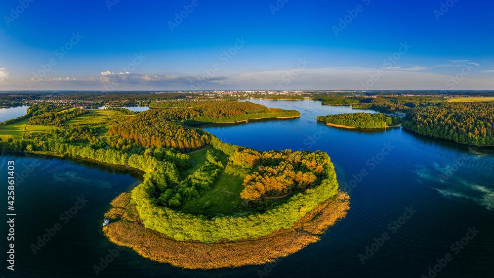 Fototapeta Olsztyn-miasto czterech rzek i piętnastu jezior na Warmii w północno-wschodniej Polsce