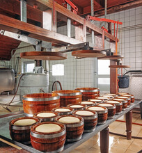 Manual Cheese Production 1990 Netherlands. Procucing Dutch Cheese.