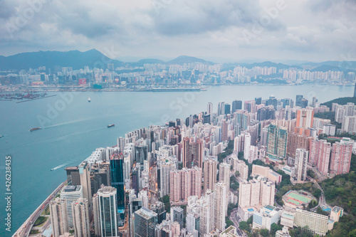 Obraz Epic aerial view of night scene of Victoria Harbour, Hong Kong, in golden hour - fototapety do salonu