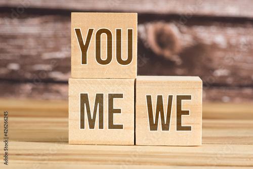 Obraz na plátně Drei Würfel mit Worten Du, Ich und Wir