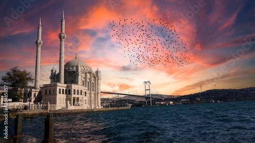 Fotografia, Obraz Ortakoy Mosque (Ortakoy Camii) and Bosphorus Bridge (Bogaz Koprusu), Istanbul