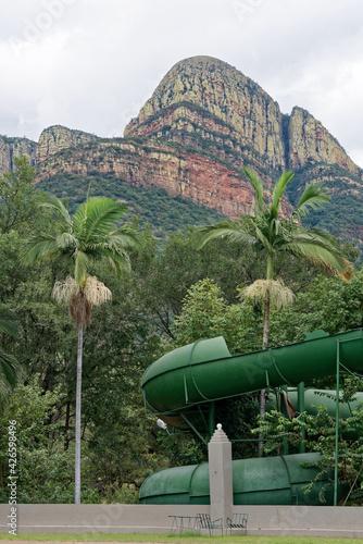 Südafrika - Maruleng - Kleine Drakensberge - Wasserrutsche in einem Touristen-Ressort