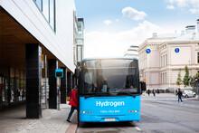 A Hydrogen Fuel Cell Bus Concept