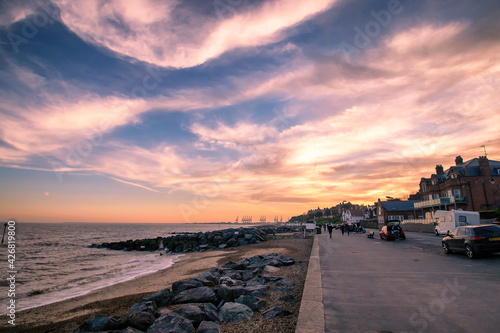 Fotografia Sunset over the seafront at Felixstowe in Suffolk, UK