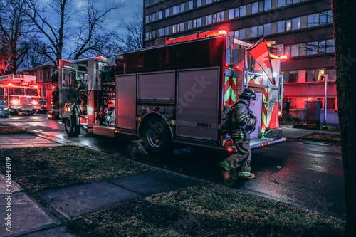 Obraz na plátne fire truck in the city