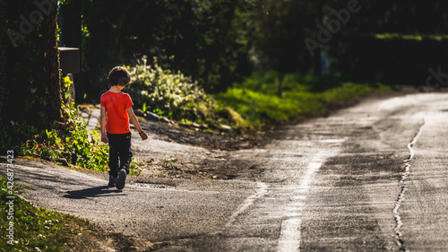 Obraz Kid on the road - fototapety do salonu
