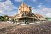 Wat Chedi Luang Is A Beautiful Old Temple In Chiang Mai