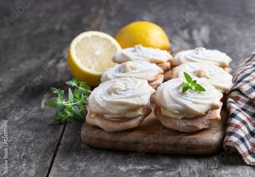 Fotografie, Obraz Delicious shortcakes with lemon and cream filling