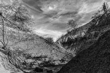 Montañas Desérticas En Blanco Y Negro
