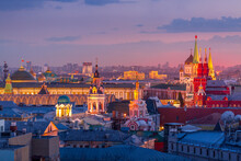Aerial Sunset View Of The Center Of Moscow With Historical Museum, The Cathedral Of Christ The Savior, Government And Other. World Famous Moscow Landmarks For Tourism And Travel.