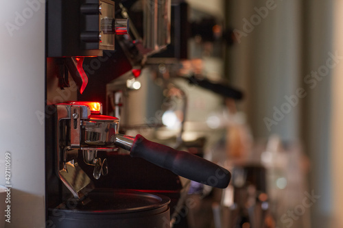 Cuadros en Lienzo Close up background image of industrial coffee machine in cafe or coffee shop, c