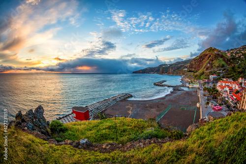 Fotografiet Sonnenuntergang über Ribeira Brava 02