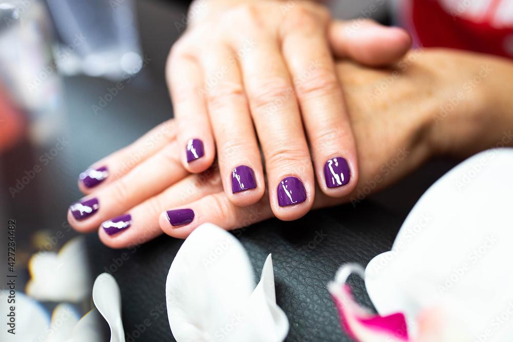 Fototapeta salon urody, paznokcie, dłonie