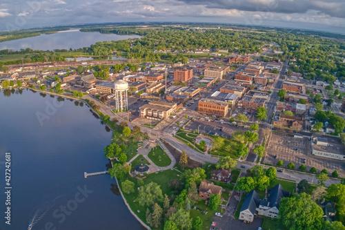 Aerial View of Downtown Albert Lea, Minnesota at Dusk in Summer - fototapety na wymiar