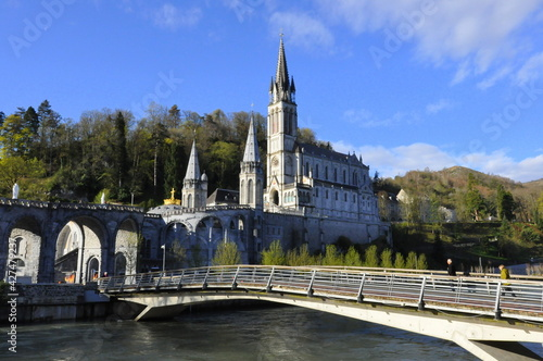 Obraz na plátně Lourdes, pilgrimage center, Basilica, city in France,