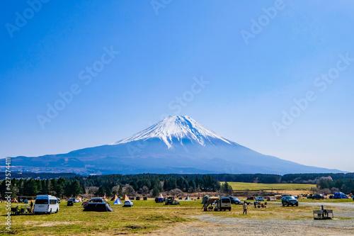 Carta da parati 静岡県の富士山が見えるキャンプ場