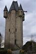Eine mittelalterliche Burg aus dem 12 Jahrhundert Kleine Überreste der historischen Burg., ist eine Rekonstruktion, die auf Skizzen des 17  Jahrhundert