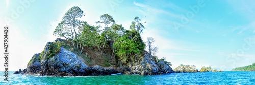 Ilots Violin, face au Rio Sierpe dans la péninsule d'Osa au Costa Rica