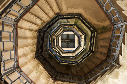Fotografie, Obraz Spiral Staircase Of Volta Lighthouse, Lake Como