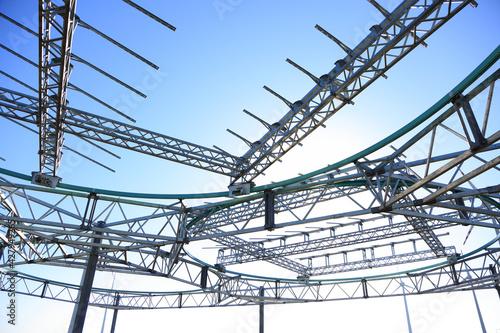 Fototapeta Konstrukcja stalowa, obrotowa pod panele fotowoltaiczne.  obraz