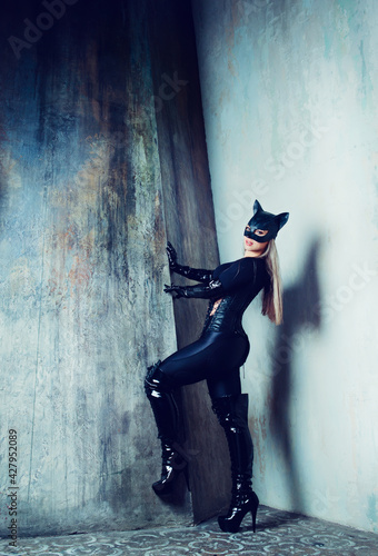 Fotografering dancer  dressed as a cat woman