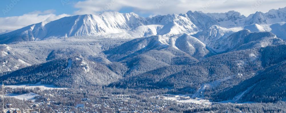 Fototapeta Piękny zimowy widok na panoramę gór Tatry