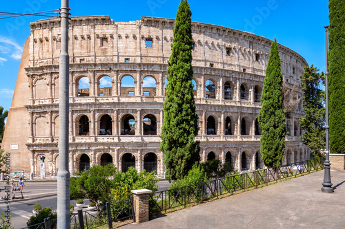 Fotografering Exterio do Coliseu de Roma visto da rua  Via Celio Vibenna