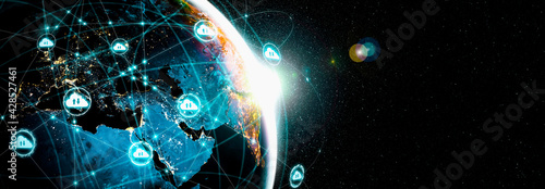 Cloud computing technology and online data storage in innovative perception . Cloud server data storage for global business network concept. Internet server service connection for cloud data transfer. - fototapety na wymiar