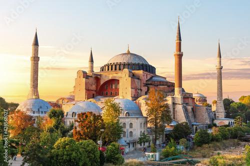 Billede på lærred Famous Hagia Sophia Mosque at sunset, Istanbul, Turkey