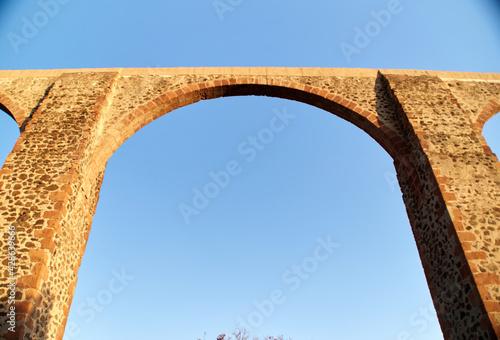 Fototapeta Mexican ancient aqueduct made of bricks