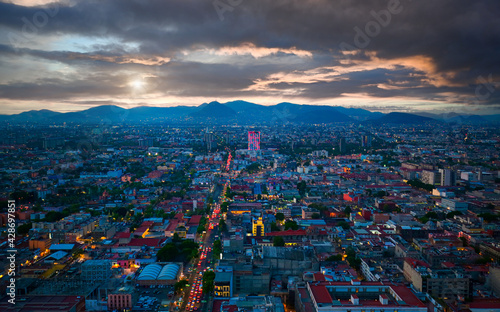 Photo Scenic panoramic view of Mexico City historic center from the observation deck at the top of Latin American Tower Torre Latinoamericana