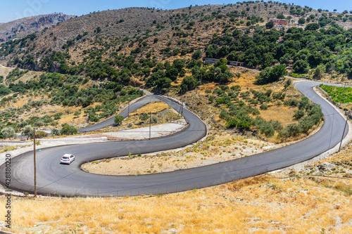road in mountains - fototapety na wymiar