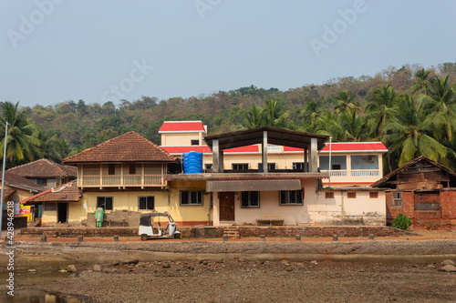 Billede på lærred Beachside houses of Anjanvel village, Konkan Ratnagiri, Maharashtra, India