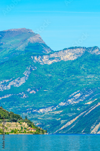 Fotografia Beautiful peaceful lake Garda, Italy.