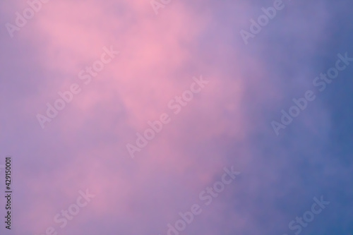 Photo pink and blue sky background cloud at dawn or daybreak soft focus of abstract na