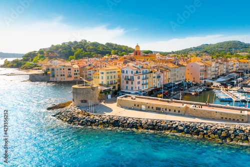 View of the city of Saint-Tropez, Provence, Cote d'Azur, a popular travel destin фототапет