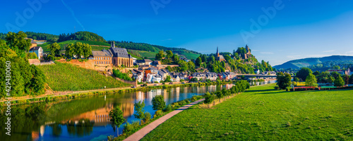 Photo Saarburg panorama of old town on the hills in Saar river valley, Germany