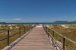 ponte de madeira que leva a praia do forte, cabo frio