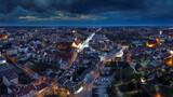 Fototapeta Miasto - Nocna panorama Olsztyna, miasta na Warmii w północno-wschodniej Polsce