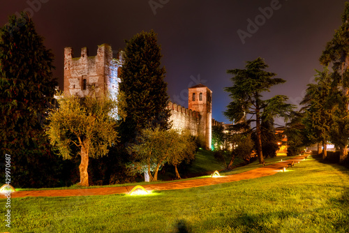 Part of the dreamy Scaligero fortress in Lazise at night Fototapete