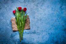 Trois Tulipes Rouges