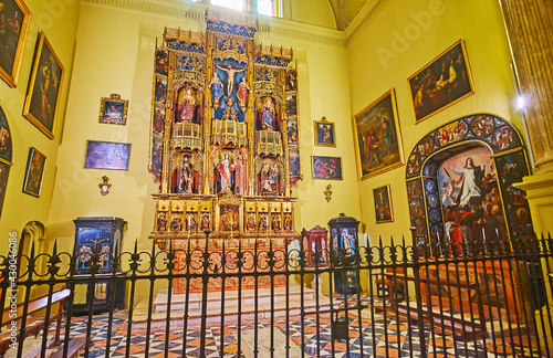 фотографія The Gothic altarpiece of Malaga Cathedral, Spain