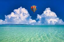 沖縄の美しいサンゴ礁の海