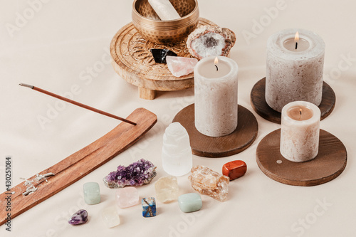 Obraz Healing chakra crystals therapy. Alternative rituals, gemstones for wellbeing, meditation, destress - fototapety do salonu