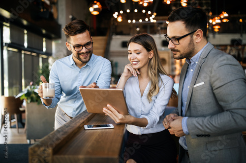 People meeting communication business brainstorming teamwork concept - fototapety na wymiar