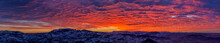 Panorama Spettacolare Al Tramonto, Con Cielo Nuvoloso Infuocato Dal Sole, Visto Dalla Repubblica Di San Marino