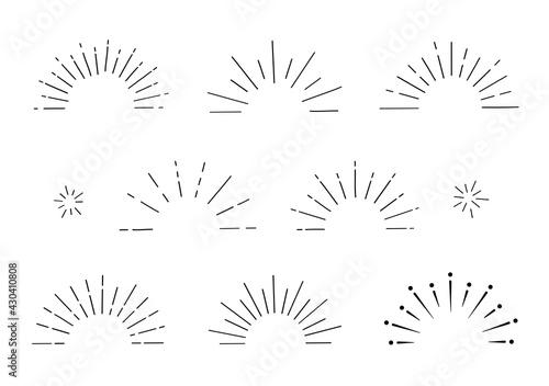あしらい 放射線 集中線 太陽線 きらきら 飾り マーク 鉛筆 クレヨン 手書き サンバースト 半円 フレーム 見出し アイコン セット/シンプルでベーシックな Fototapet
