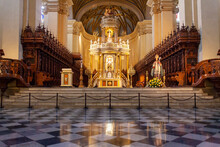 Cristianismo Catedral Escultura Religión Iglesia Altar
